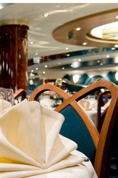 חבילת שייט במערב אירופה על אניית הפאר MSC Magnifica
